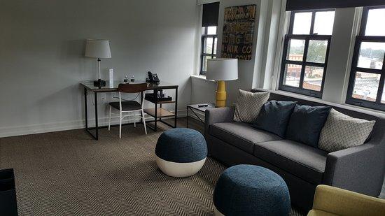 Elberton, GA: Room 401