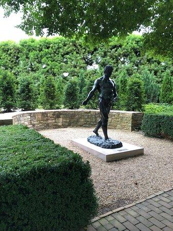 Estatuas Que Adornan El Jardin Picture Of Chicago Botanic Garden - Estatuas-de-jardin