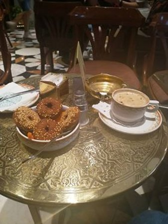 Naguib Mahfouz Cafe: Burnt cappuccino and falafel