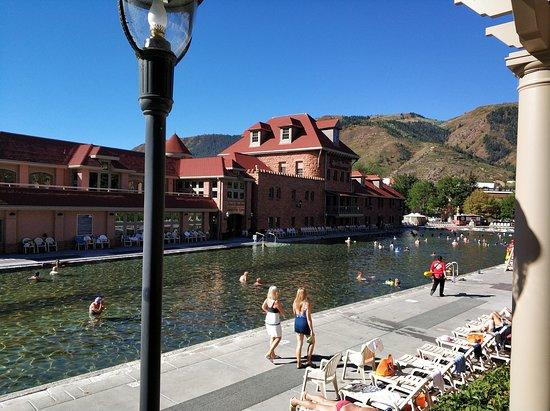 Glenwood Hot Springs Pool: Pool