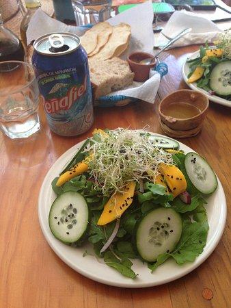 La Jicara: Mango salad