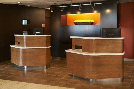 Holland, OH: Lobby