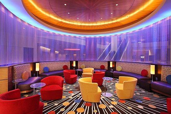 Radisson Plaza Hotel at Kalamazoo Center : Lobby