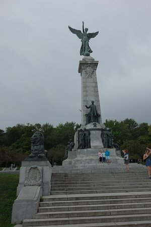 Monument Sir George-Étienne Cartier