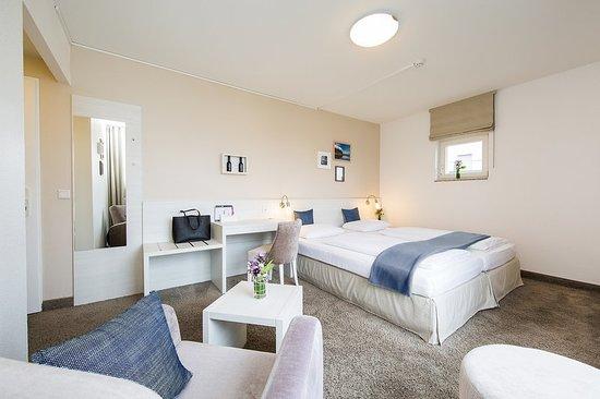 fjord hotel berlin: Guest room