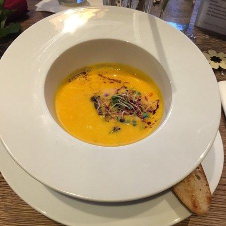 Eichenau b Muenchen, Alemanha: Hokkaido Kürbis Suppe