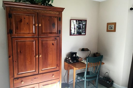 Turkey Run room with armoire for TV.