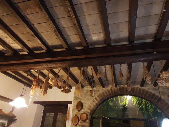 Trattoria di campagna Borgo Cenaioli: 20180929_210219_large.jpg