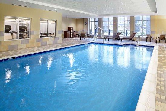 Lyndhurst, OH: Pool