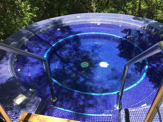 Amatitlan, Guatemala: Vista de la piscina desde el restaurante