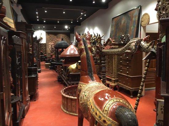 Augustine's Souvenir Shop