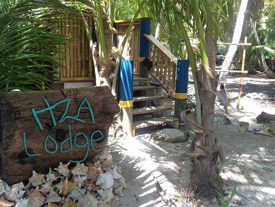 Long Caye, Belize: Exterior
