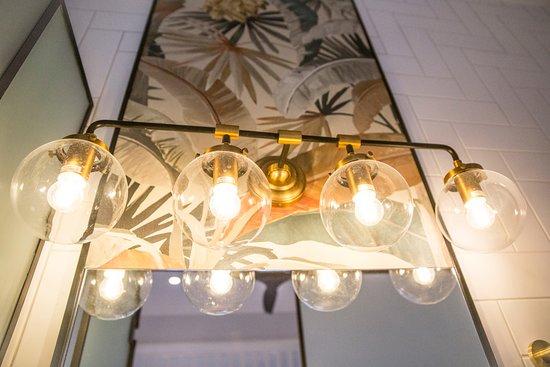 Garden Suite 1 Bathroom Feature Lights Picture Of Bayhaven