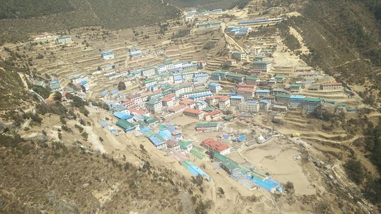 Namche Bazaar, Nepál: View of Namche Bazar from Helicopter