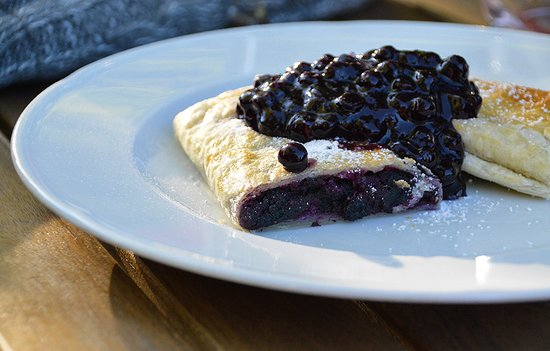 Lokve, Chorwacja: Blueberry strudel, rich and tasty