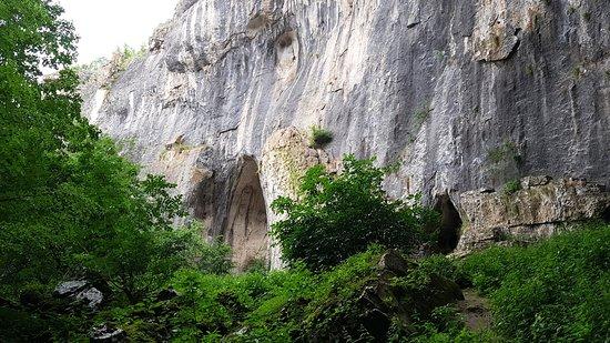 "Karlukovo, Bulgaria: Пещера Проходна – ""Глаза Бога"""
