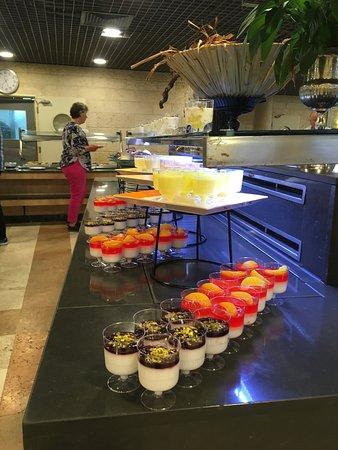 Ramat Rachel Resort: Yogurt spread during breakfast