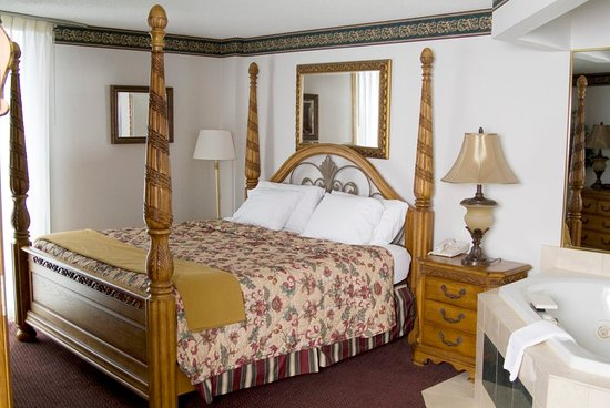 Plaza Hotel and Suites: Suite