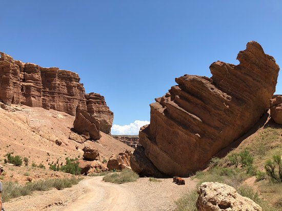 Charyn Canyon: En route to Charyn river