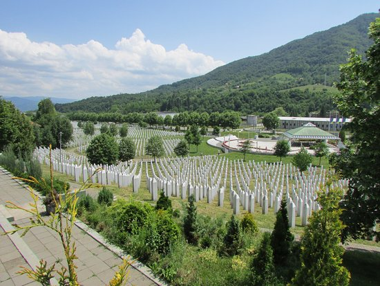 Srebrenica, บอสเนียและเฮอร์เซโกวีนา: vista general del cementerio