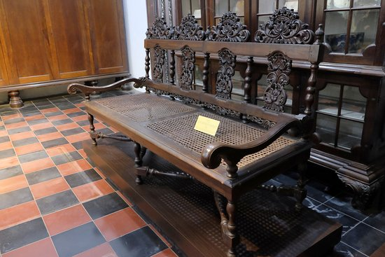 Rijksmuseum: Old Antiques Chair