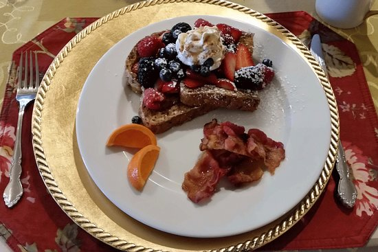 Granville, OH: Multigrain French Toast With Warm Maple Syrup