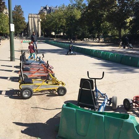 Parc du Champ de Mars: photo2.jpg