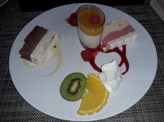 La Roche-Maurice, France: Farandole des desserts