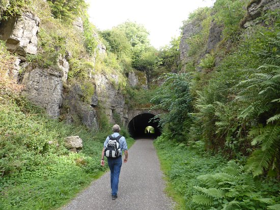 Brassington, UK: Walking the high peak trail