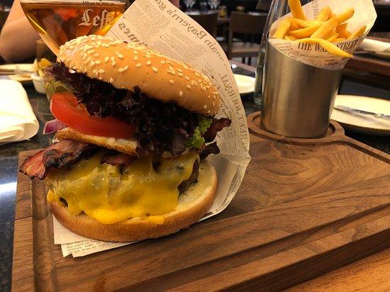 Midtown Grill: Burger