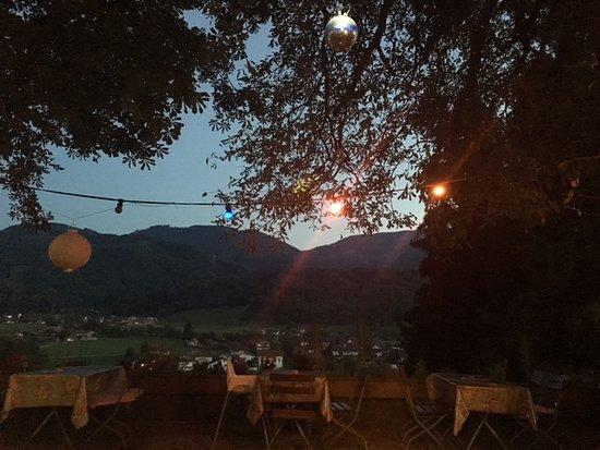 Gasthaus Schellenberg: 20.30 Uhr auf der Terrasse