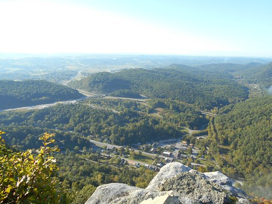 Cumberland Gap National Historical Park: View from pinnacle point at Cumberland Gap Park