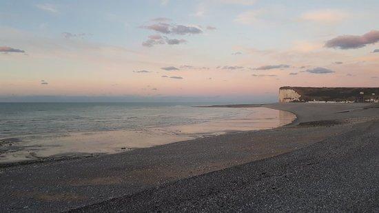 Veulettes-sur-Mer, ฝรั่งเศส: 20180924_195136_large.jpg