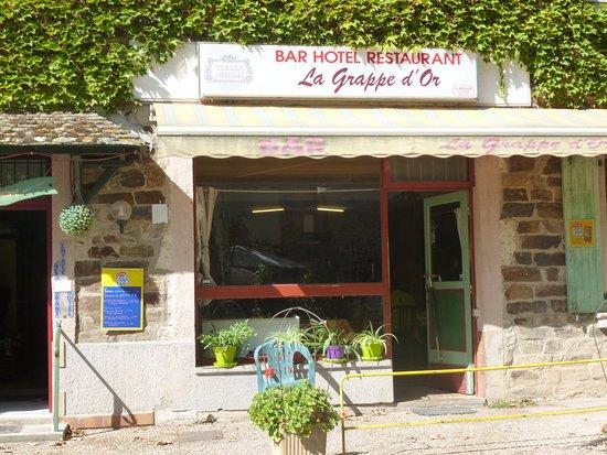 Sauveterre-de-Rouergue, Frankreich: facade du restaurant