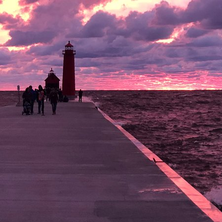 Grand Haven Lighthouse and Pier: photo3.jpg