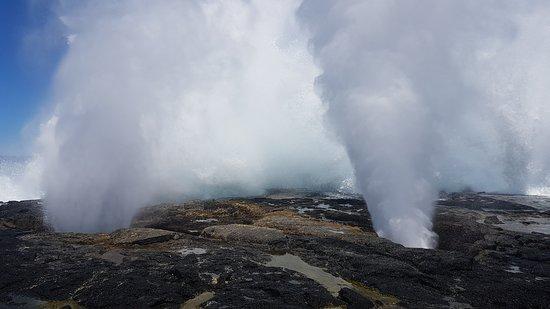 Alofaaga Blowholes照片