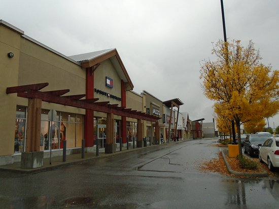 New Westminster, Kanada: Big Box Stores