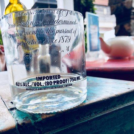 Motion Cafe: Wasserglas