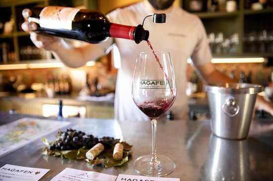 Experience Legendary Winemaking: Napa...