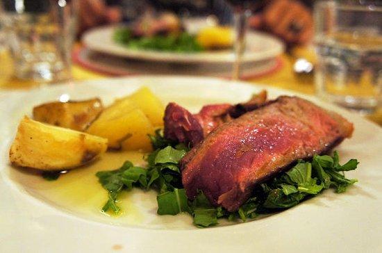 おいしいフィレンツェ:ワインテイスティングとフィレンツェステーキの夜の食べ物…