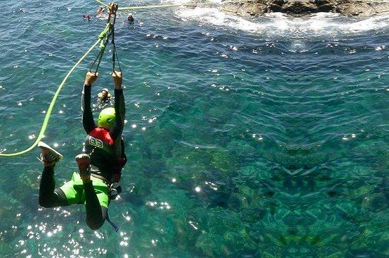 Experiência de Coasteering em Gran...