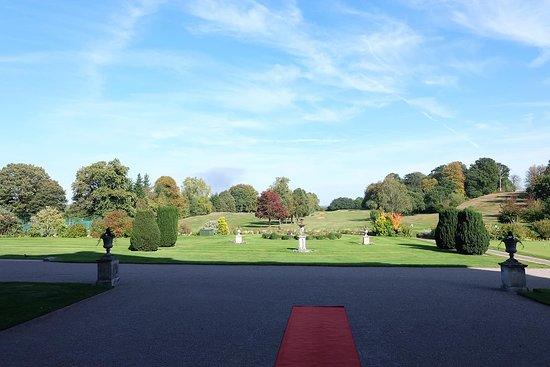 Moor Park Golf Club: beautiful lawn
