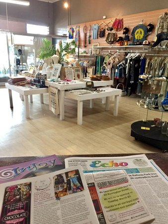 Mullumbimby, Australia: 23 local makers sharing one awsome shop space...