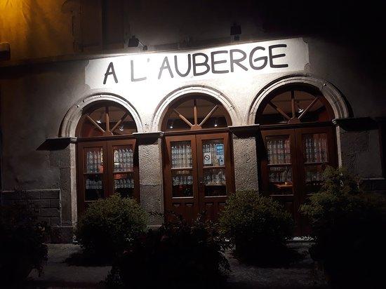 A l'Auberge: façade, entrée