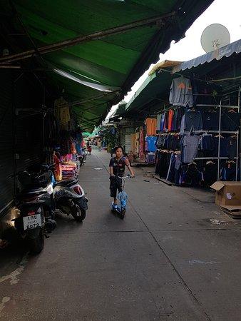 Aranyaprathet, Thailand: Rong Kluea Market