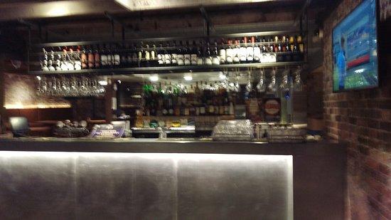 Bar Picture Of Pig N Whistle Brunswick Street Brisbane