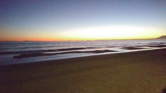 Yunquera, Espagne : Sunrise on Marbella beach
