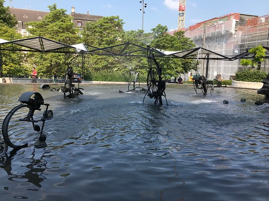 Tinguely-Brunnen: The Fountains in Tinguely , Basel