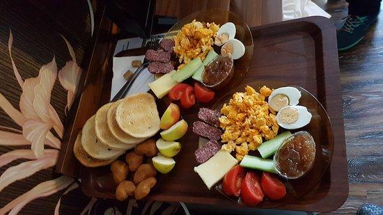 Svishtov, Bulgarije: Got breakfast served to the room :-)
