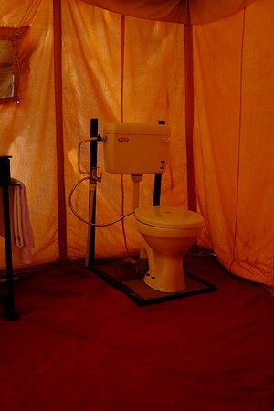 Pokaran, الهند: Attach Bathroom